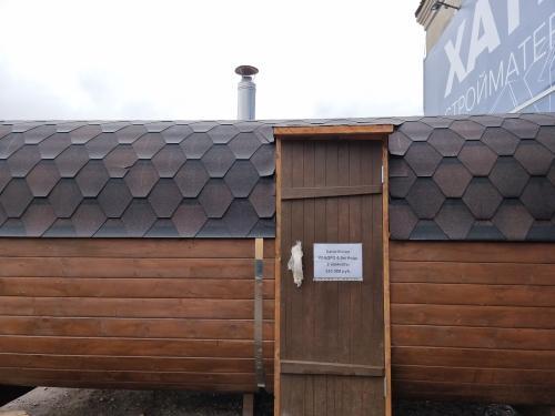 Двухсекционная квадро баня-бочка 4,5 м Кедр бок. вход