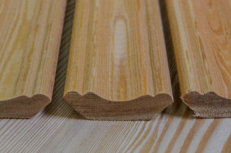 Плинтус лиственница равноскатный 0,7 м сорт АВ