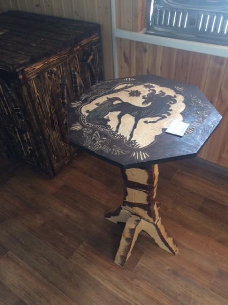 Стол фигурный тёмный (хвоя) 1,2 м. (г-н)